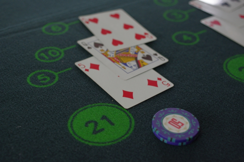 Detecting blackjack cards on table