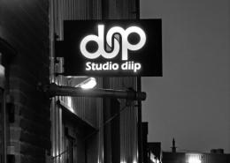 Studio diip lightsign outside
